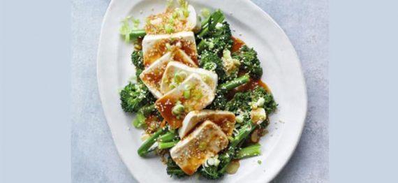 Tofu Silken cu dressing de broccoli, sos de soia si Miso