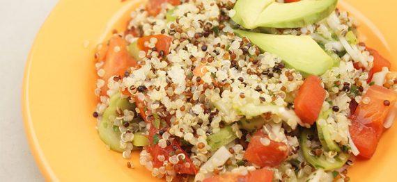 Reteta - salata de quinoa cu legume