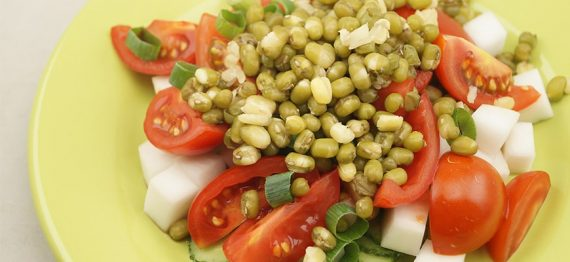 Salata cu fasole mung - usoara dar plina de nutrienti