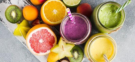 Suc presat la rece cu un storcator de fructe si legume – sanatate curata